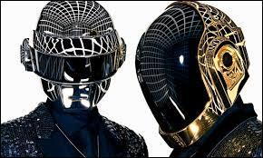 Comment se nomme la chanson du moment de Daft Punk (septembre 2013) ?