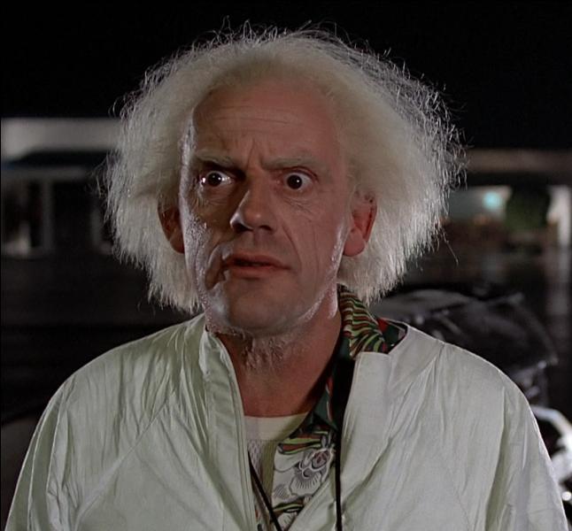 Christopher Lloyd, alias  Doc  dans la saga  Retour vers le futur , apparaît dans un épisode où il joue :