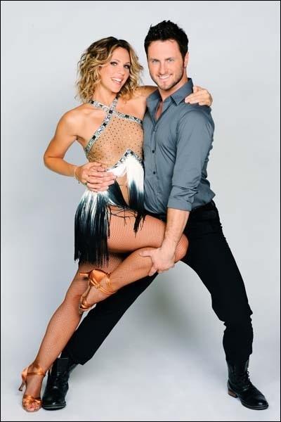 Lorie danse avec ... .