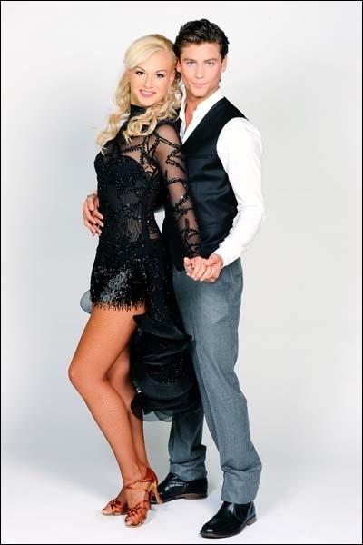 Bastian Baker danse avec ... .