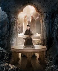 Qui joue le rôle d'Elrond ?