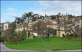 Nous partons à Mirmande, commune Drômoise labellisée Plus Beaux Villages de France située en région ...
