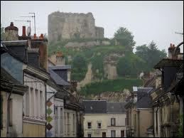 Nous sommes à Montoire-sur-le-Loir, en région Centre. Nous sommes dans le département ...