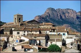 Nous allons nous promener à Roquebrune-sur-Argens, en région P. A. C. A. Je vous emmène dans le département ...