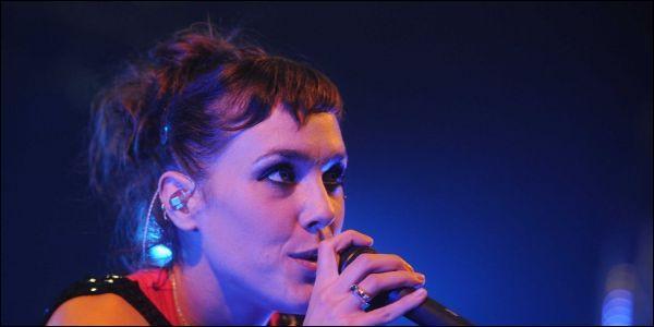 Laëtitia Milot et Christophe Licata ont dansé sur la chanson  On ira  de :