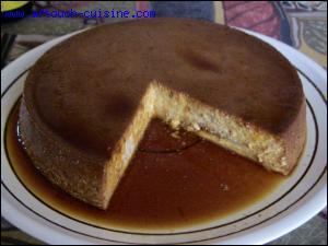 Dessert dominical, il est considéré comme  plat du pauvre  car à base de pain rassis. Composé également de lait, d'œufs et de sucre, il est aromatisé au zeste de citron de cette île où il est un dessert traditionnel. C'est :
