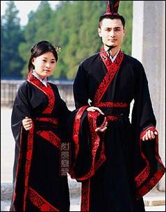 Le hanfu fut porté bien après la fin de la dynastie Han, puis fut interdit au XVIIIe siècle. Que se passa-t-il en 1644 ?