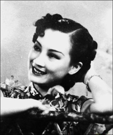 Une des actrices et chanteuses chinoises les plus populaires des années 1930-40, fut Zhou Xuan. Elle fut surnommée :