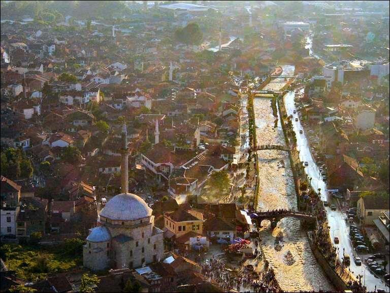 En quelle année le Kosovo fit-il une déclaration d'indépendance ?