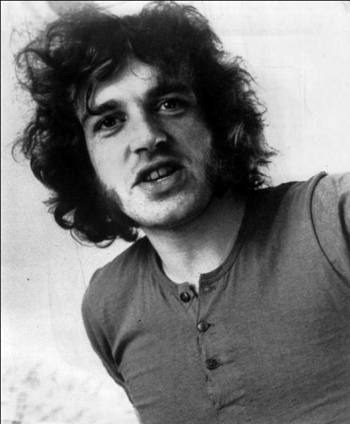 Joe Cocker est un chanteur et musicien anglais. Que chantait-il surtout à ses débuts ?