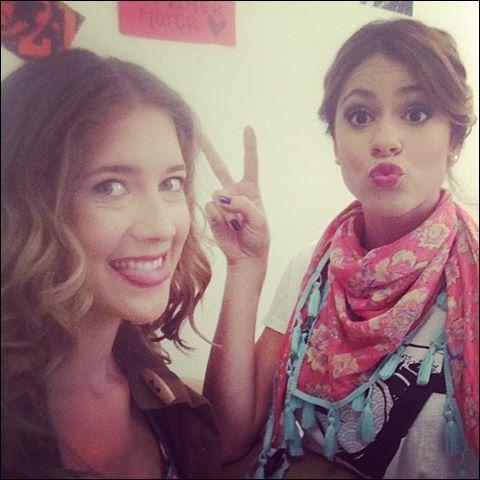 Dans l'épisode 20, Violetta embrasse :