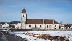 La commune Doubienne des Plains-et-Grands-Essarts se site en région ...