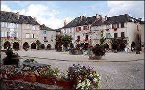 Nous allons découvrir la commune Aveyronnaise de Sauveterre-de-Rouergue. Nous serons dans un des Plus Beaux Villages de France situé en région ...