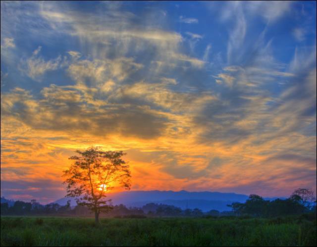 Quel magnifique coucher de soleil dans le parc national du ________ en _______ :