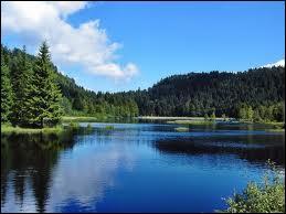 Allons en _______ découvrir le lac de _______ situé dans les ________ :