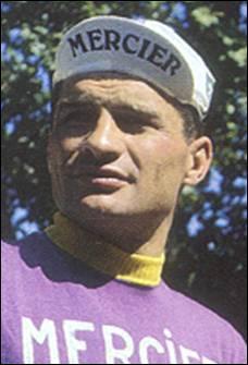 Raymond Poulidor, personnalité très populaire, a participé au Tour de France, de 1962 à 1976. Combien de fois l'a-t-il gagné ?