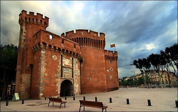 Perpignan est-elle située plus au Sud que Béziers et que Narbonne ?