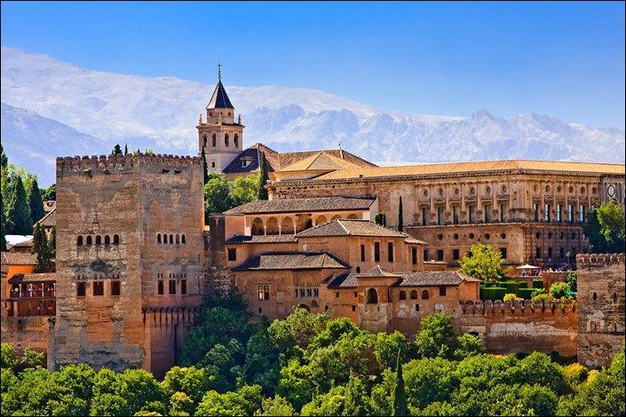 Les habitants de l'Espagne sont-ils très majoritairement concentrés au cœur du pays ?