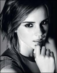 À quel âge Emma a-t-elle remporté le premier prix au Concours de Poésie Daisy Pratt ?