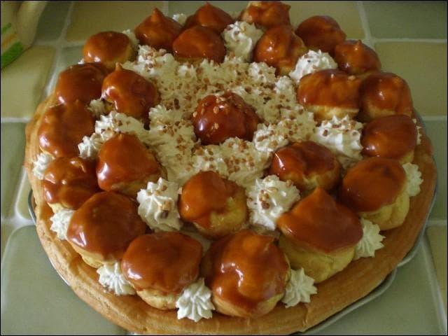 Quel est le nom du gâteau que vous voyez sur la photo ?