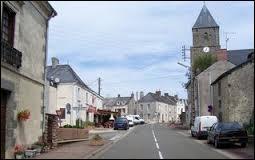 Nous traversons la ville Mayennaise de Champgénéteux. Nous sommes donc en région ...