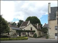 Je vous emmène en région Centre, à Crissay-sur-Manse. Cette commue labellisée Plus Beaux Villages de France se situe dans le département ...