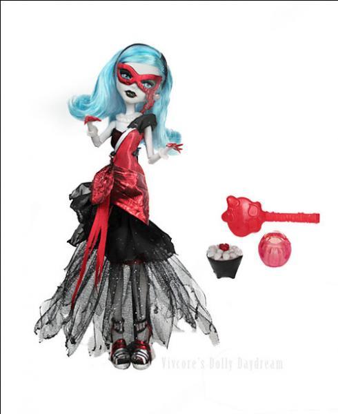 Si cette poupée était officielle, elle serait :