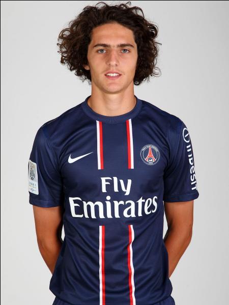 Comment se nomme ce joueur du PSG ?