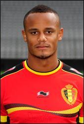 Diable rouge depuis 2004. Il a joué à Anderlecht et à Hambourg. Quel Belge d'origine congolaise est actuellement le capitaine de Manchester City et de l'équipe nationale belge ?