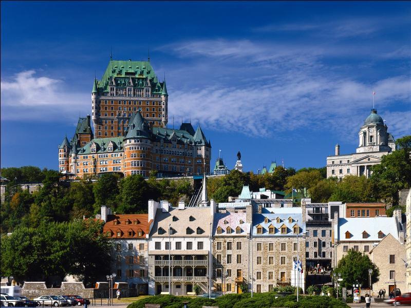 Combien de provinces et territoires canadiens ont-ils le français pour langue officielle ?