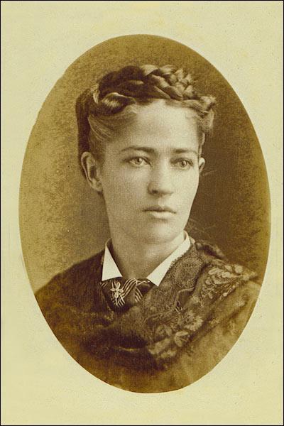 Quelle invention est l'oeuvre de Joséphine Cochrane en 1886 ?
