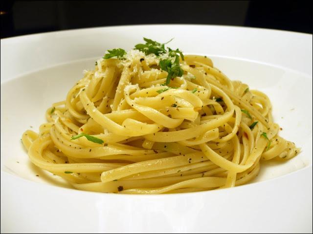 Ce sont des pâtes semblables aux spaghettis, mais avec une section aplatie, en forme d'ellipse.
