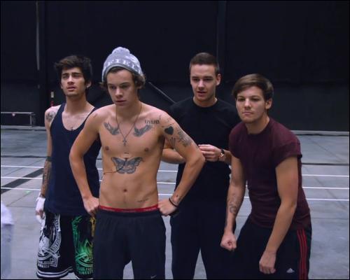 Quel membre de One Direction prononce tout le temps « Vas Happenin » ?