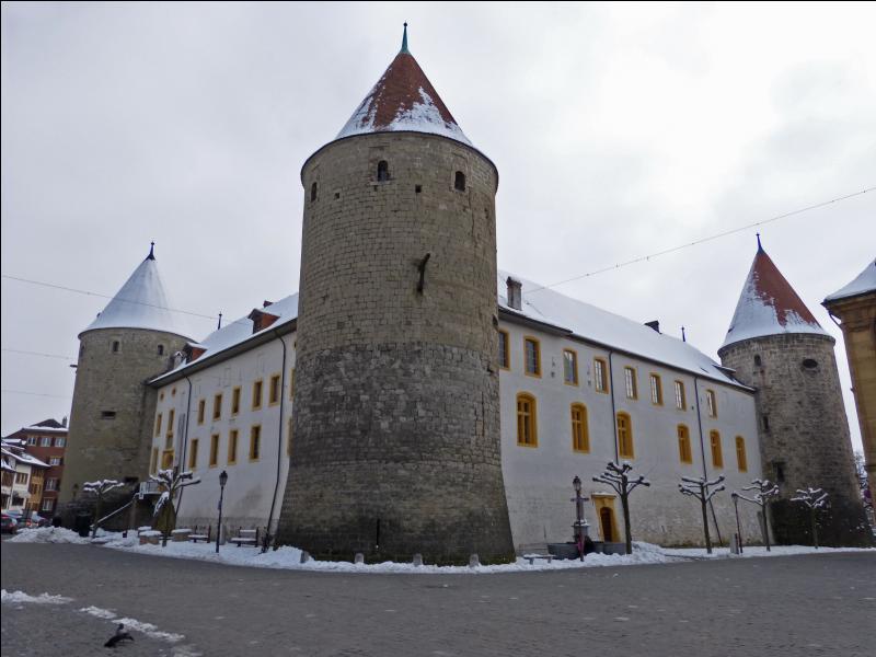 Dans quelle ville se trouve ce château ?