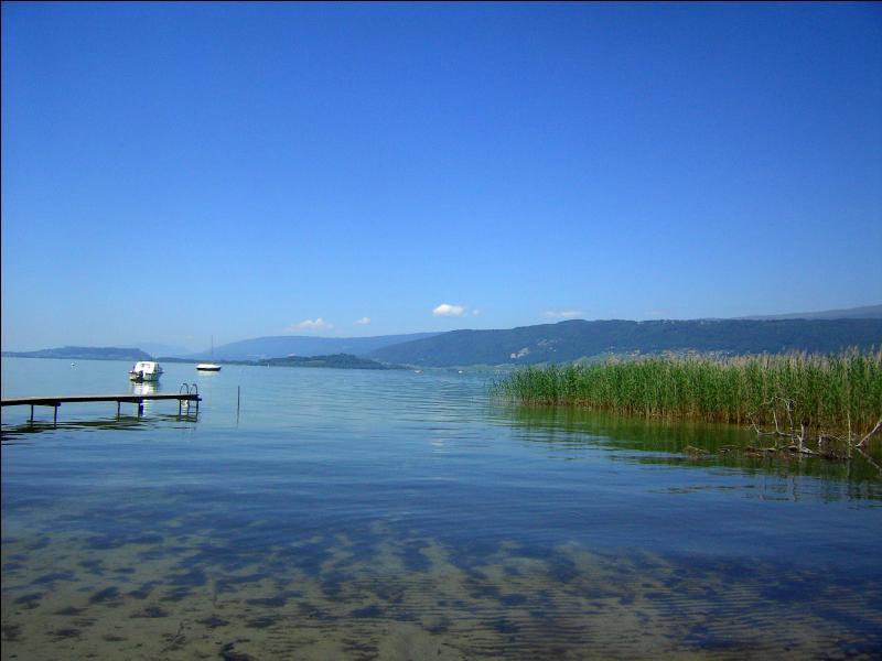 Sur la rive de quel lac est-on ?