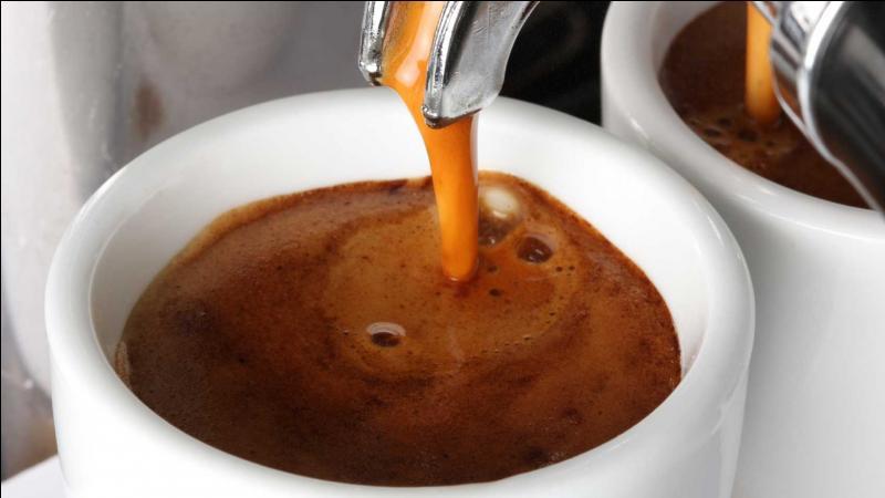 Café très corsé avec un fort arôme.
