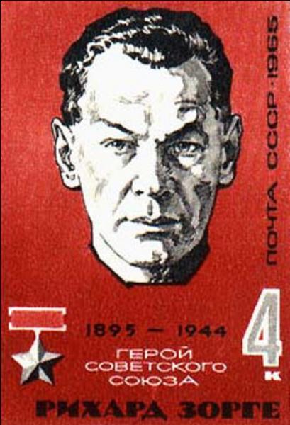Son pseudonyme était Ramsay. Son action et les renseignements qu'il récolta permirent aux Alliés, surtout aux Soviétiques, une réaction brutale et un retournement de la guerre en leur faveur. Qui est ce personnage ?
