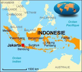 De combien d'îles l'Indonésie est-elle composée ?