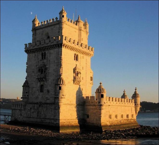 La tour de Belem (XVI° siècle), se trouve...