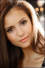 Nina Dobrev joue le rôle de :