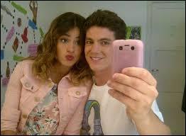 Dans l'épisode 26, Camila et Maxi s'embrassent où ?