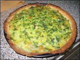 Cette tarte belge (Nivelles) au fromage régional fondu avec des œufs, du beurre, des oignons, et des bettes s'accompagne traditionnellement :