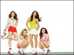 Après combien d'années les 4 filles se retrouvent-elles et reforment-elles un groupe d'amies ?