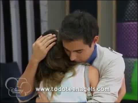 Grâce à qui Violetta s'aperçoit-elle de la manigance de Ludmila et Diego ?