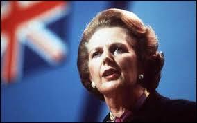 Premier ministre du Royaume-Uni pendant 11 ans et demi. Margaret Tatcher a dirigé le parti conservateur de 1975 à 1990. Le 2 novembre 2013, la Dame de fer avait-elle déjà déposé le bilan ?