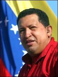 Militaire et homme d'Etat vénézuélien. Elu président à quatre reprises. Le 2 novembre 2013, Hugo Chavez mangeait-il déjà les pissenlits par la racine ?