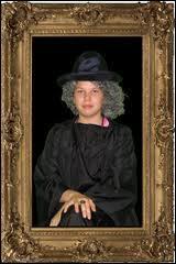 Par quoi est caché le tableau de la mère de Sirius Black ?
