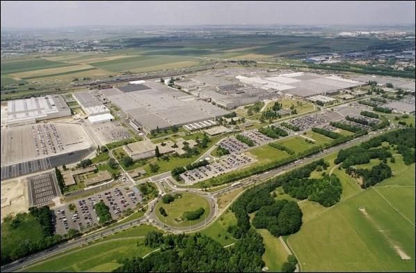 Le groupe automobile français PSA a cessé l'assemblage automobile dans l'une de ses usines françaises le 25 octobre 2013. Laquelle ?