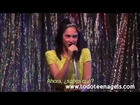 Elle est interprétée par Francesca, c'est la version italienne d'une chanson de Violetta :