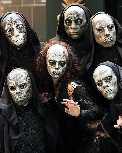 Commençons par quelques questions générales. La nuit d'Halloween, les élèves de Poudlard se déguisent.